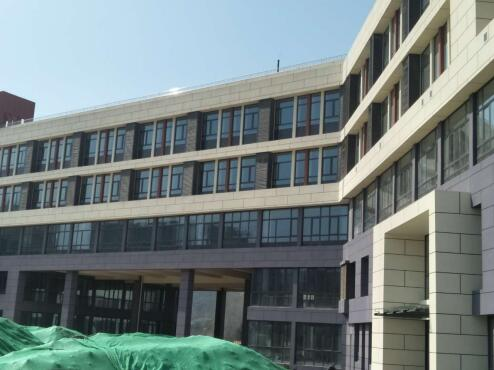 热烈祝贺刘海峰装饰公司成立两周年