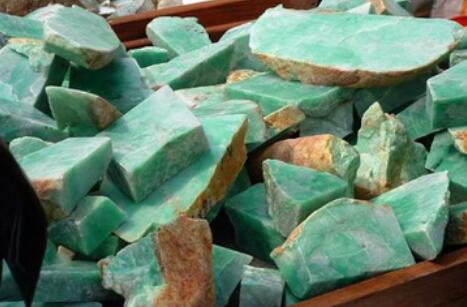 玉币(YB)周四正式缅甸玉石交易所上线