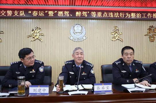 河北张家口交警全力以赴做好2020年春运交通安保工作